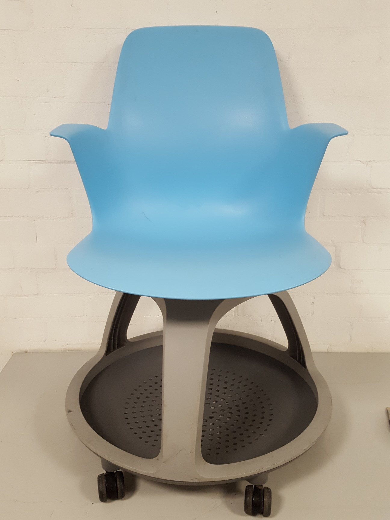 1 x Steelcase Node Chairs, Student / Patient Chair, with